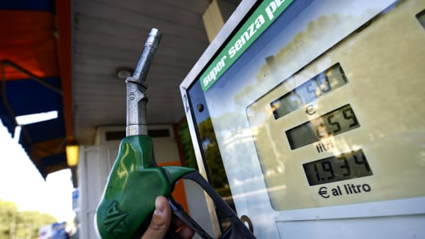 """Benzina e diesel, ottime notizie: si fermano gli aumenti dei prezzi """"Benzina e diesel, ottime notizie: si fermano gli aumenti deiprezzi"""""""