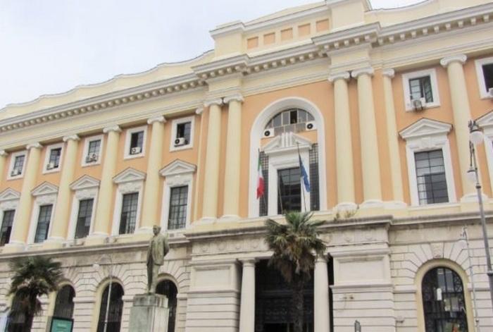 Le faide fra magistrati non servono in Calabria: ce ne sono già troppe. Così si torna indietro di 10anni